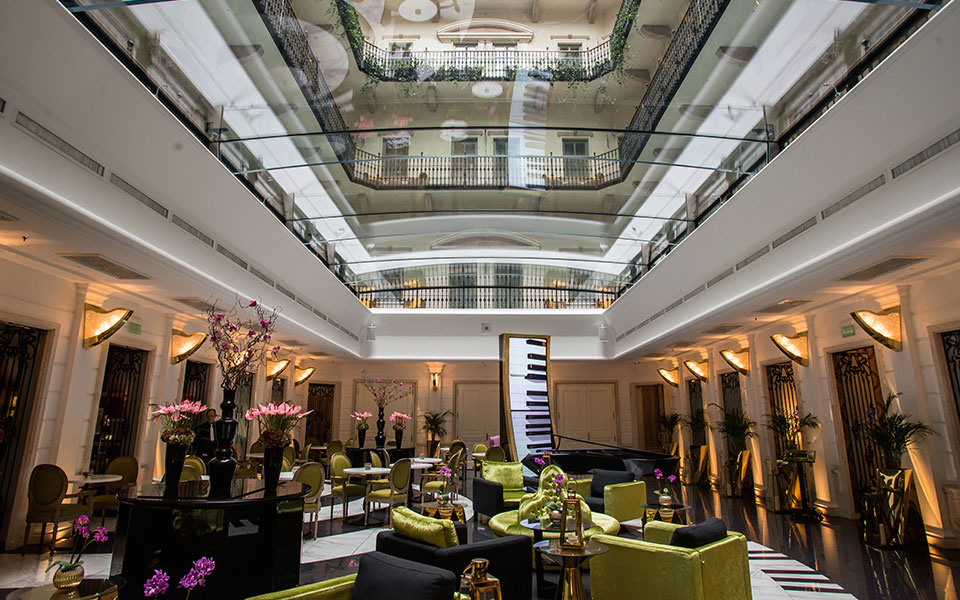 3 must visit places in budapest for beautiful interior for Top design hotels budapest